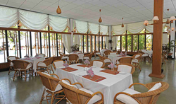 Thande Beach Hotel - Restaurant